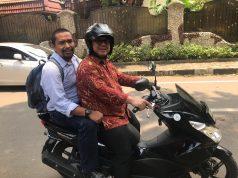 Arief Budiman naik motor
