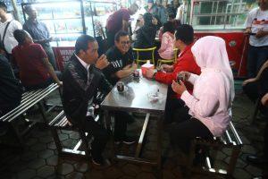 Jokowi ngopi di Malang